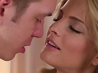 Ultra Horny Girlfriend Cayenne Klein gets wild for Morning Dick