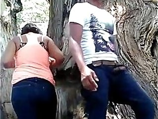 Girlfriend fucking in public park