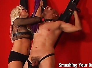 Dominatrix Nikki Hunter will make you suffer