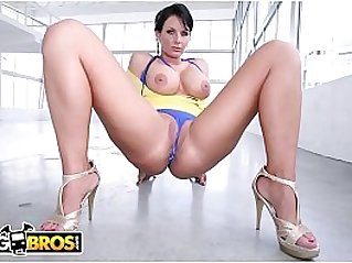 PAWG Phoenix Marie Gets Her Big Butt Fucked